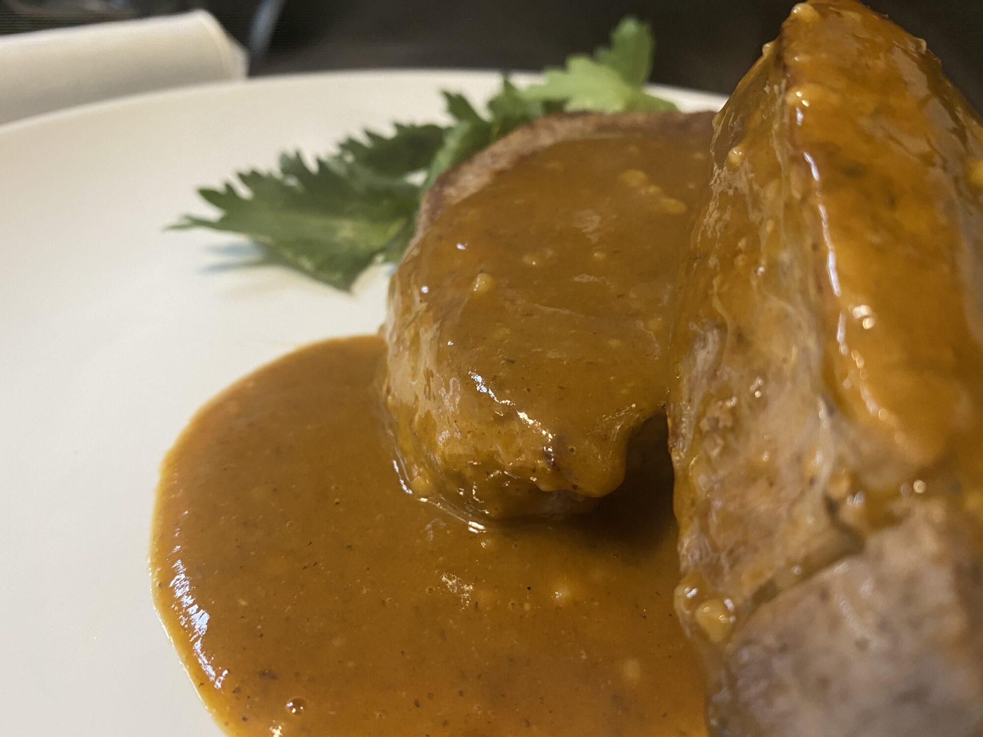 medaglioni di filetto in salsa demiglace